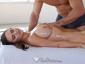Mom with fantastic cans massaged and plowed