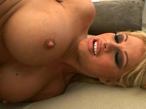 Curvy Brooke Haven gives the agent access to all holes